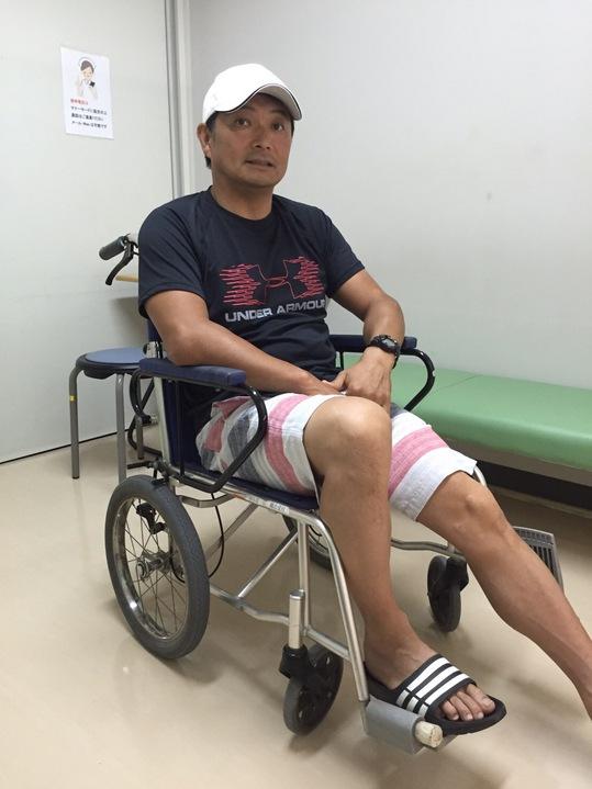 ナント‼️突然左足首激痛で歩行困難‼️