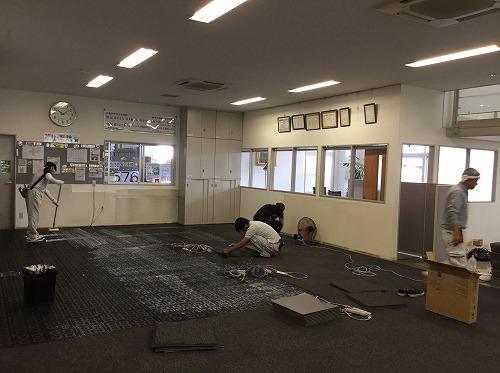 本社の床が新しくなりました!