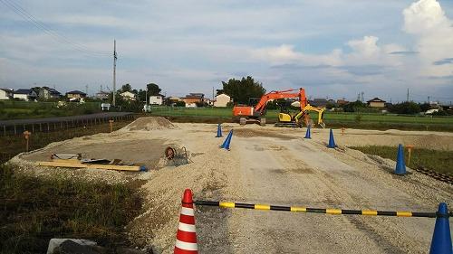 一宮(営)で駐車場の増設工事が始まりました。