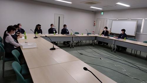 産業医の先生の巡回による安全衛生委員会を再開しました。